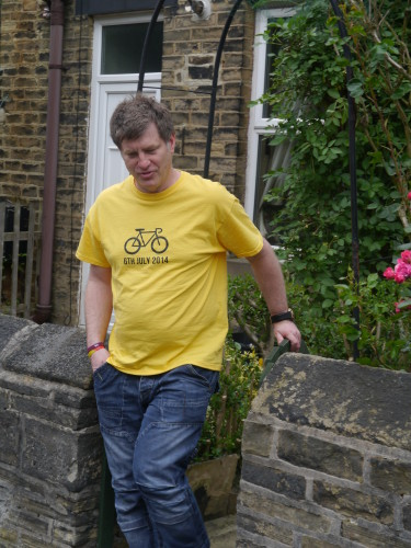 Simon walking outside South West Yorkshire Partnership NHS Foundation Trust